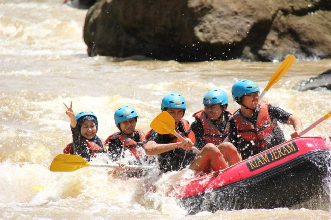 Happy Rafting with NatGeo